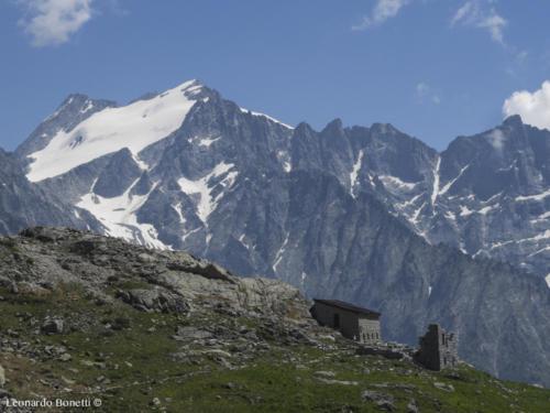 Centro glaciologico Adamello e ghiacciaio della Presanella