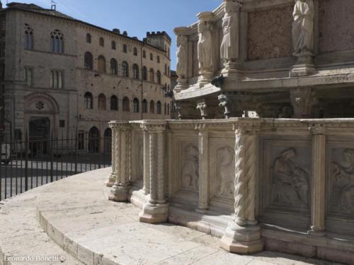 Fontana maggiore e piazza IV novembre a Perugia