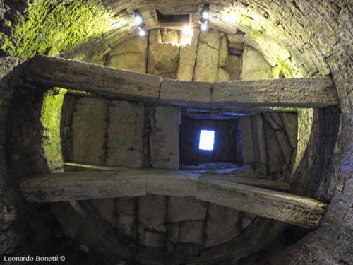 Interno del pozzo etrusco di Perugia