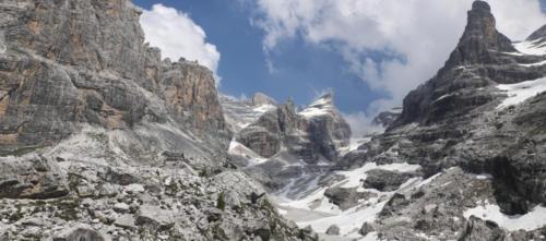 Foto panoramica nella valle del rifugio Tucket - Gruppo del Brenta