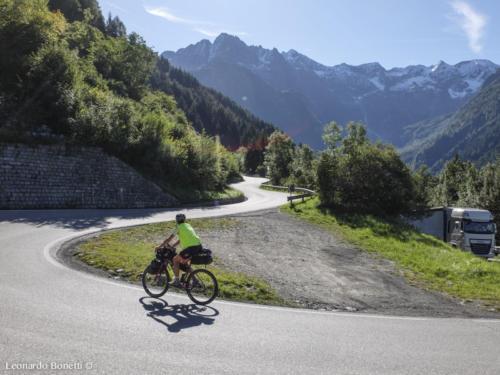 Salita al passo del Tonale in bici.
