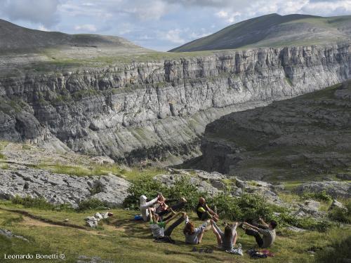 Yoga serale sui Pirenei